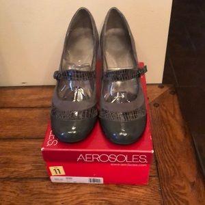 Aerosoles grey crocodile heels. Size 11